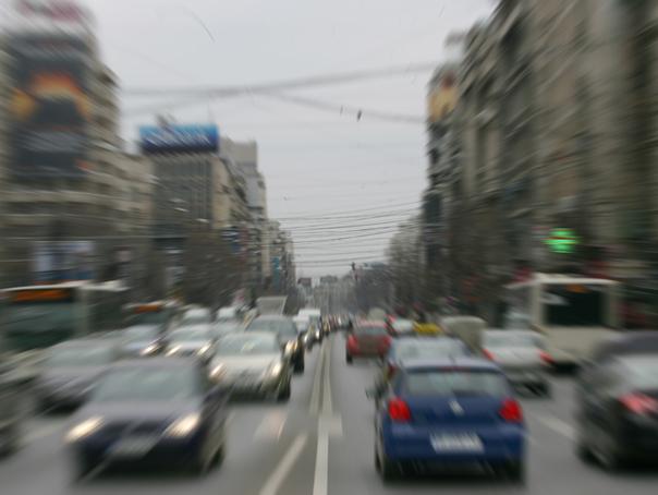 Traficul din Capitală va fi RESTRICŢIONAT de vineri până duminică, pentru organizarea unor evenimente/ Ce rute ocolitoare recomandă poliţiştii