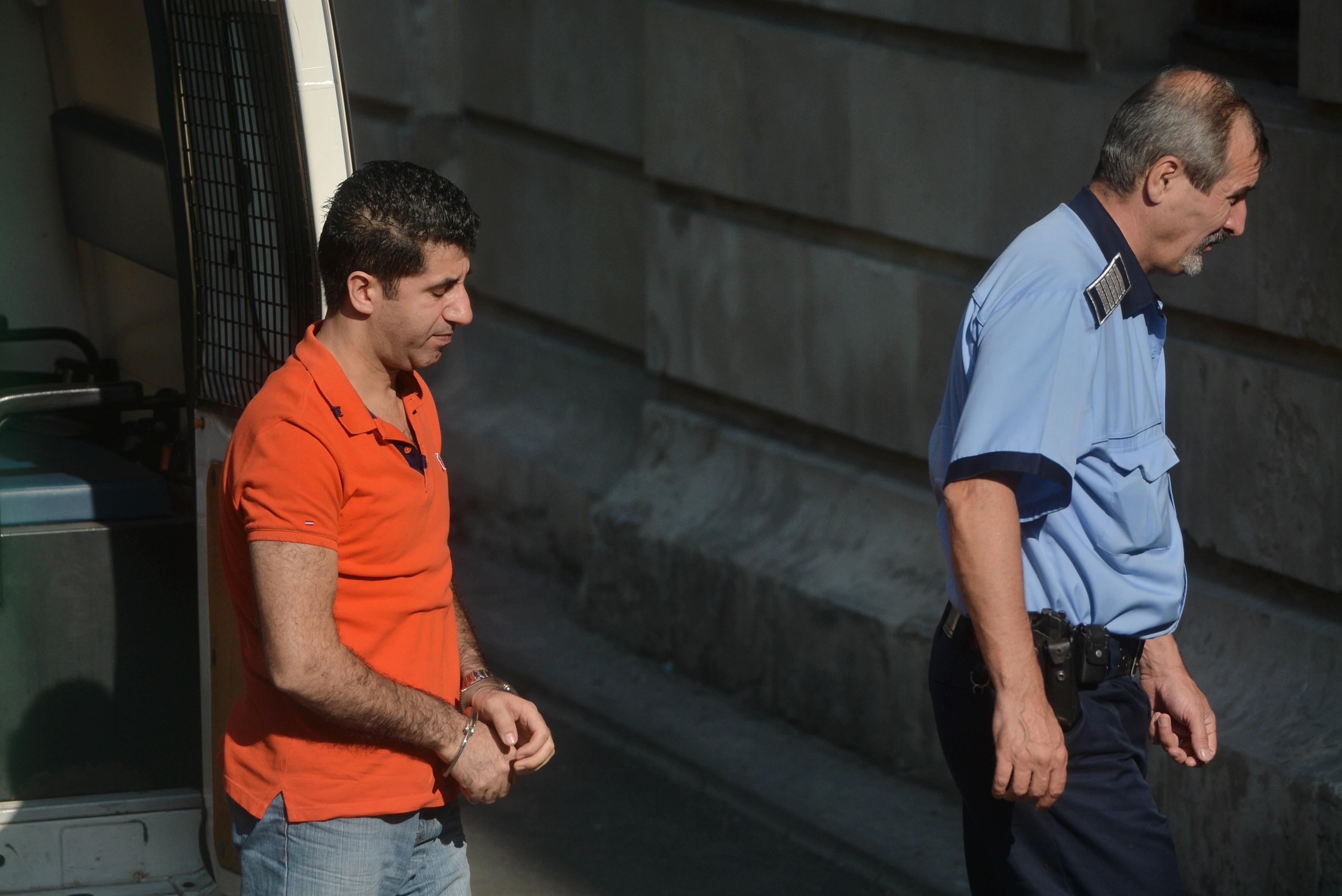 Washington Post: Un om de afaceri turc, căutat de Statele Unite, cere eliberarea dintr-o închisoare din România. Acesta este apărat de Cătălin Predoiu
