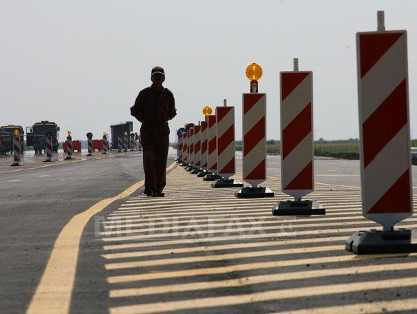 Trafic rutier restricţionat pe Autostrada Bucureşti-Piteşti, din cauza unei autoutilitare care s-a răsturnat