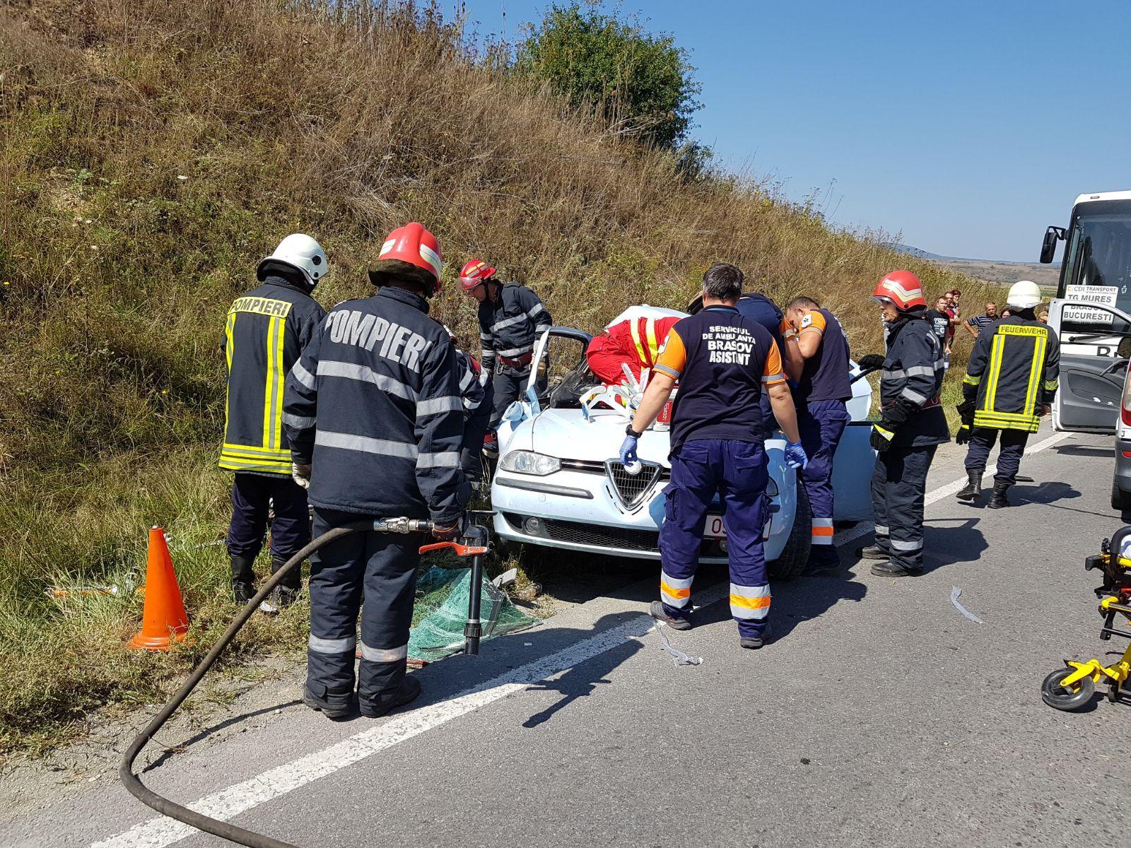 Şapte persoane rănite în două accidente produse în judeţul Braşov