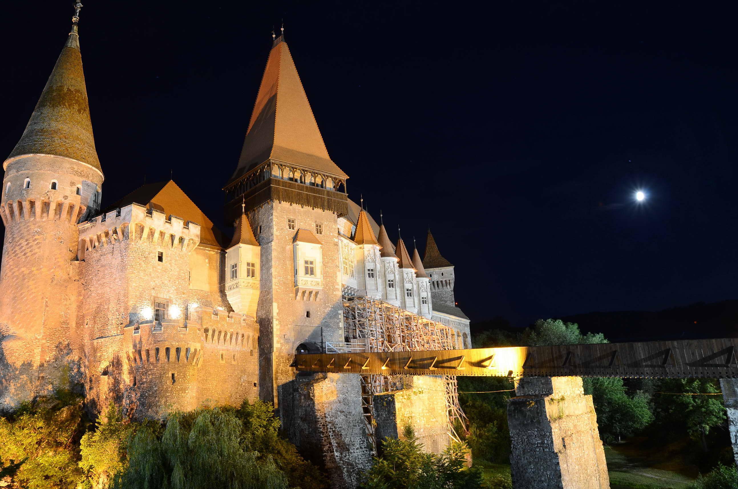 Primăria Hunedoara, încasări de peste 1 milion de euro din Castelul Corvinilor. Câţi turişti au vizitat anul acesta cel mai important monument de arhitectură gotică din România