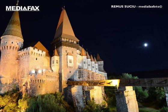 Imaginea articolului Primăria Hunedoara, încasări de peste 1 milion de euro din Castelul Corvinilor. Câţi turişti au vizitat anul acesta cel mai important monument de arhitectură gotică din România