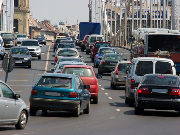 Transportatorii cer RETURNAREA unei cote din acciză şi ameninţă cu proteste dacă vor fi refuzaţi