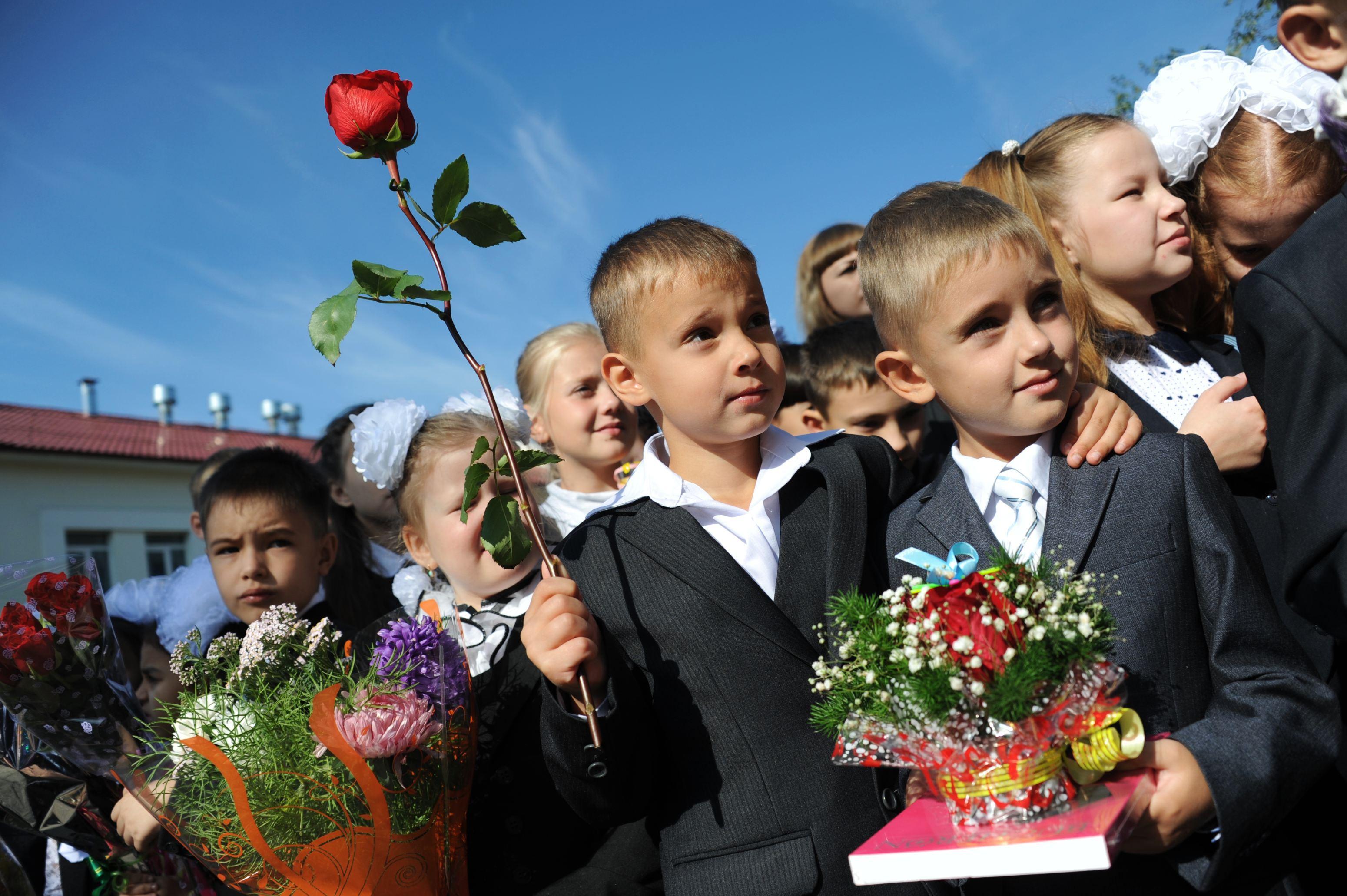 Zeci de copii din Bistriţa-Năsăud încep cursurile într-o pensiune, pentru că şcoala e în renovare