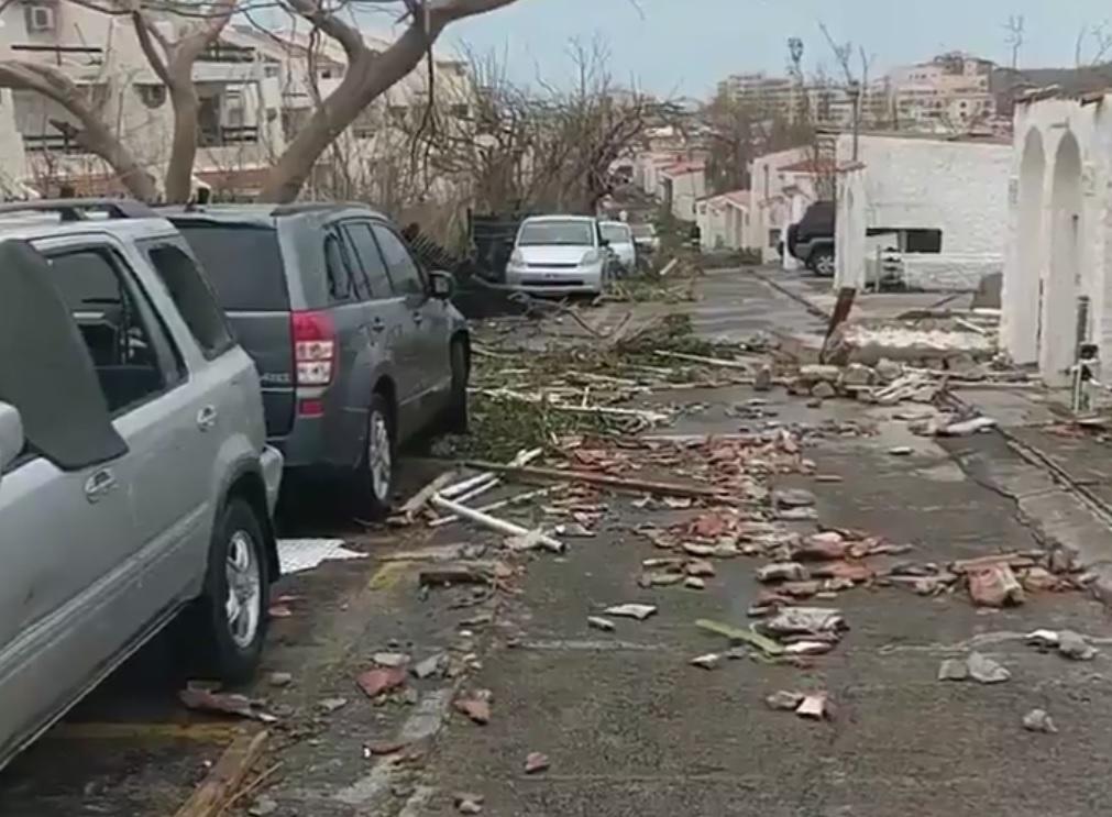 Uraganul IRMA  Românii care se aflau pe INSULA Saint Martin când s-a produs catastrofa naturală sunt în stare bună