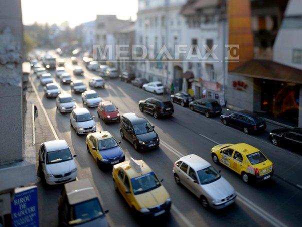 Traficul rutier va fi restricţionat, în centrul Capitalei, pentru `The Color Run Night`. HARTA cu rutele ocolitoare