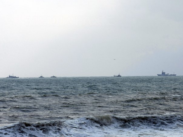 Ambarcaţiune cu zeci de migranţi, interceptată în zona 2 Mai. Vasul avea la bord incusiv 23 de copii