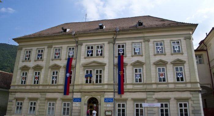 Peste 1.500 de elevi au început şcoala la Liceul Honterus, singurul cu predare EXCLUSIVĂ în germană