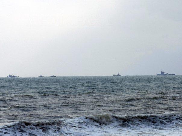 Ambarcaţiune, în derivă pe Marea Neagră: La bord sunt mai multe persoane care se află în pericol din cauza vântului extrem