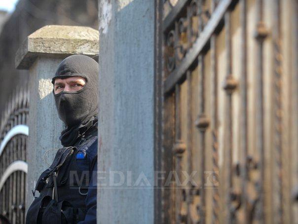 Român reţinut pentru acte de TERORISM. DIICOT: El ar fi vrut să bombardeze trupele speciale ale MAI