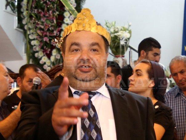 Dorin Cioabă, regele autointitulat al romilor, reţinut de poliţie miercuri seara într-un dosar de evaziune fiscală