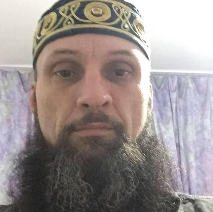 Imagini foto cu românul ACUZAT de TERORISM, convertit la islam care plănuia să bombardeze trupele speciale ale MAI
