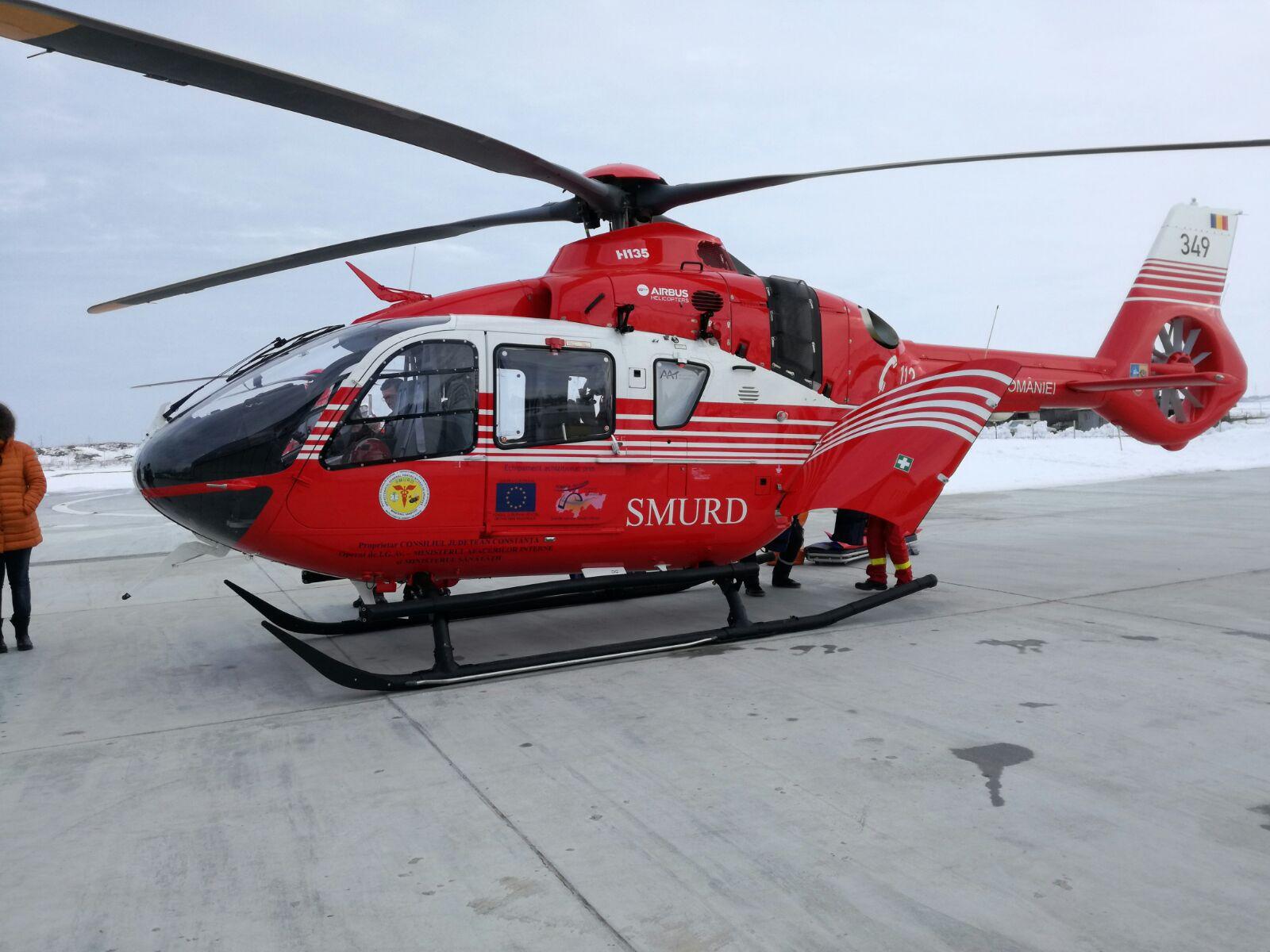 Un elicopter SMURD a fost solicitat pentru un bărbat grav rănit într-un utilaj agricol