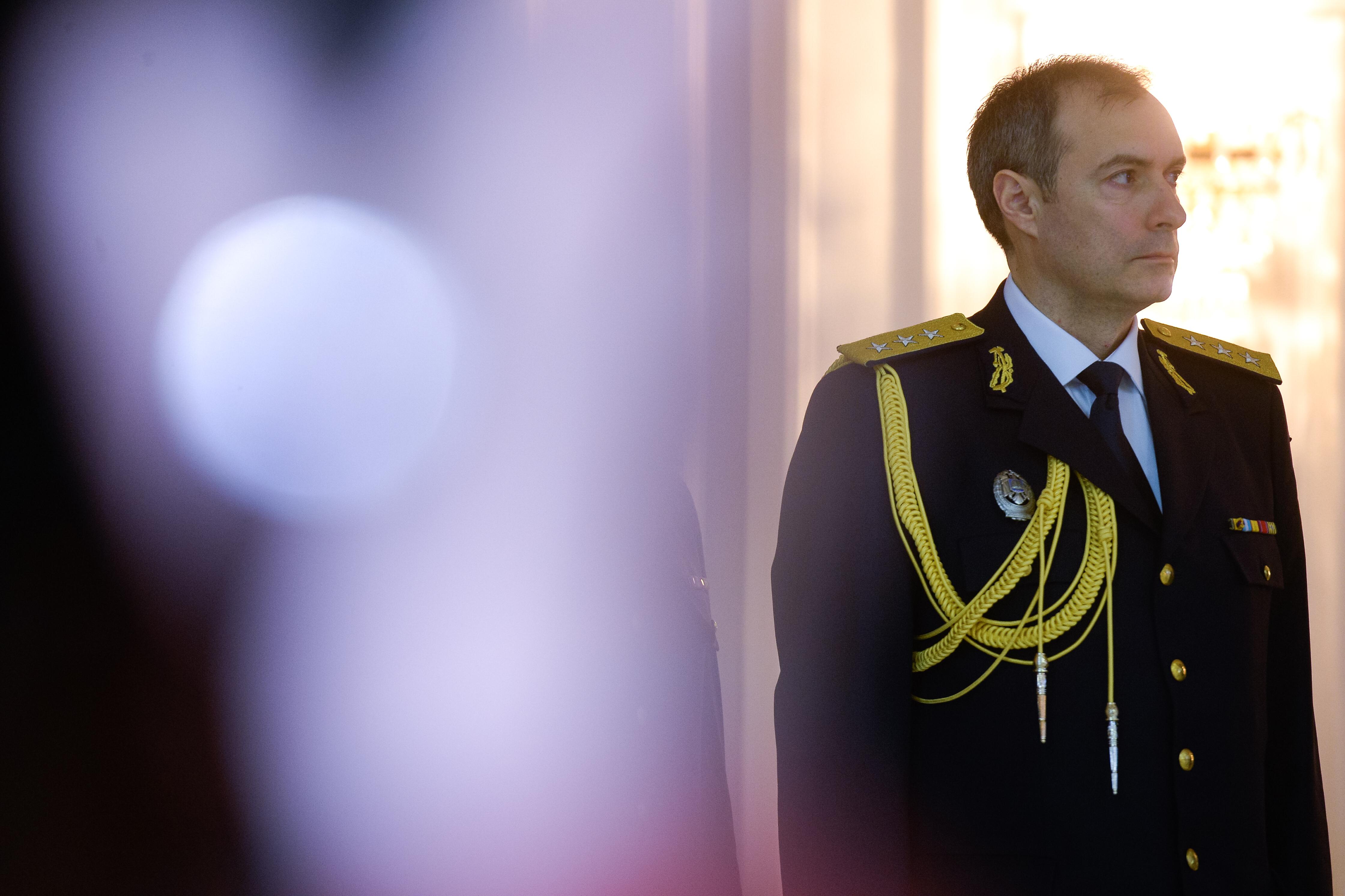 Fostul colonel SRI Daniel Dragomir dă trei nume de jurnalişti care îl vizitau pe generalul Coldea: `Eu nu spun că sunt ofiţeri acoperiţi, dar i-am văzut intrând sau ieşind de la el`