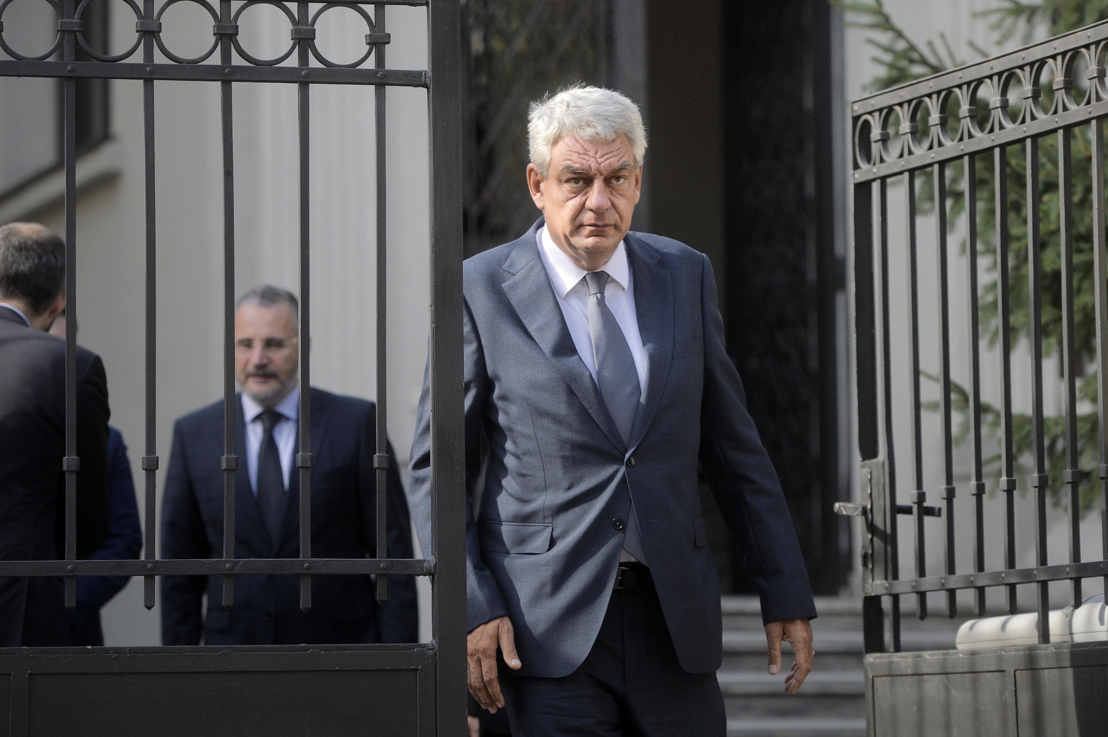 Premierul Mihai Tudose merge luni la Timişoara, la un comandament după furtunile din ţară