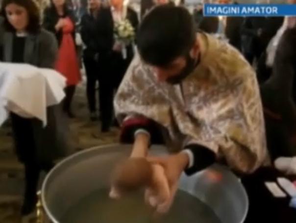 Concluzie halucinantă la Iaşi: Bebeluşul care a murit după botez s-a înecat cu lapte