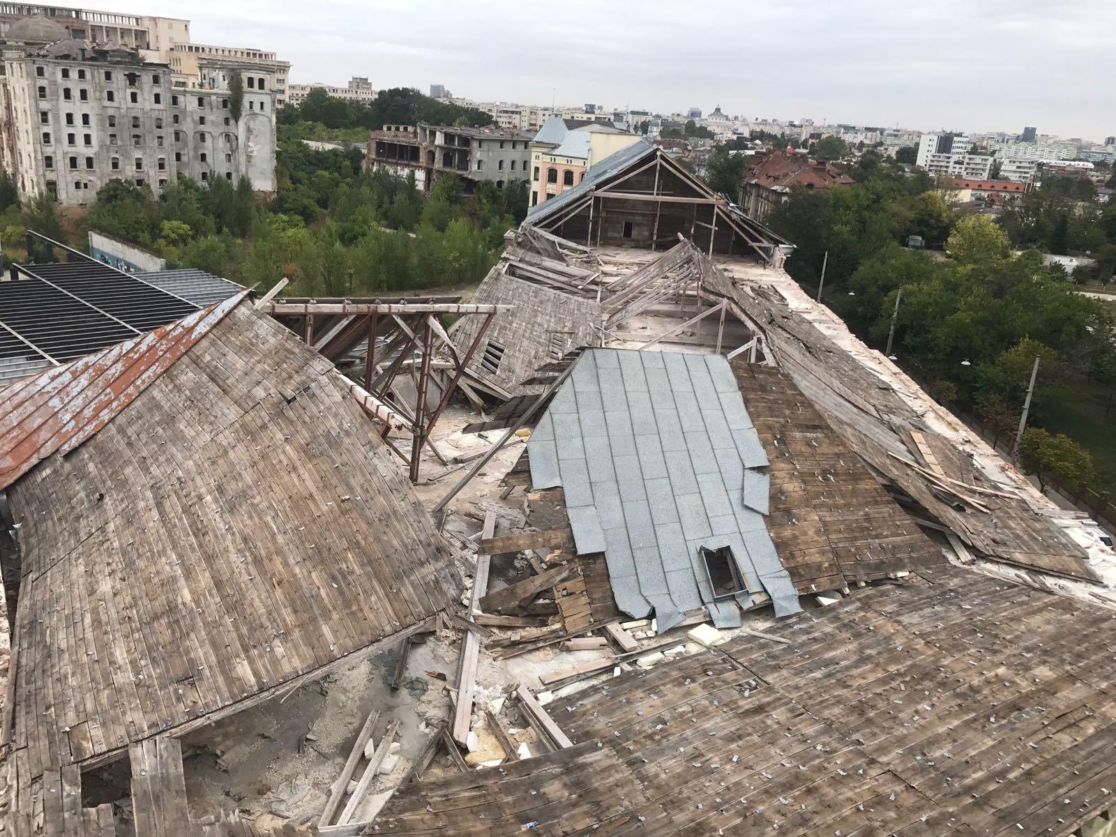 VIDEO   ISU îndepărtează bucată cu bucată din acoperişul fostei FABRICI de bere