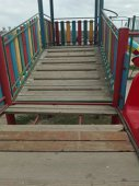 Imaginea articolului FOTO, VIDEO | Copil rănit la un loc de joacă, căzând printre scândurile unui tobogan. Primăria Constanţa riscă până la 50.000 amendă