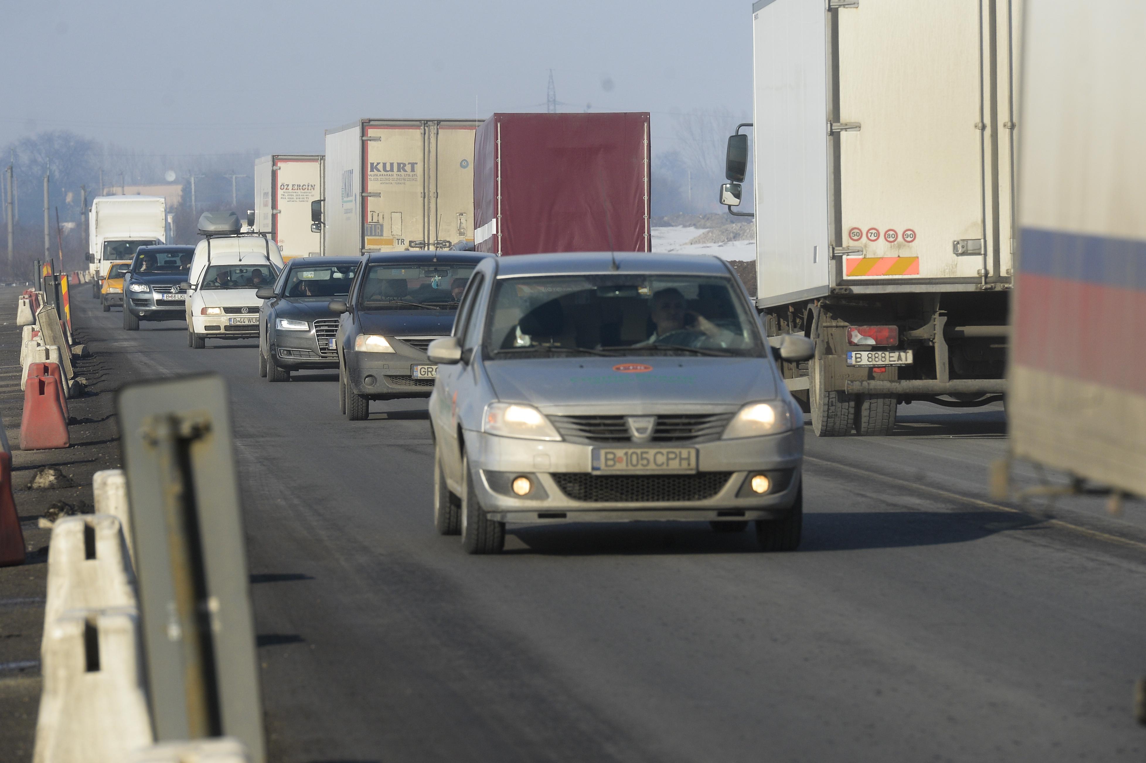 Traficul se desfăşoară îngreunat pe Centura Capitalei din cauza unui accident