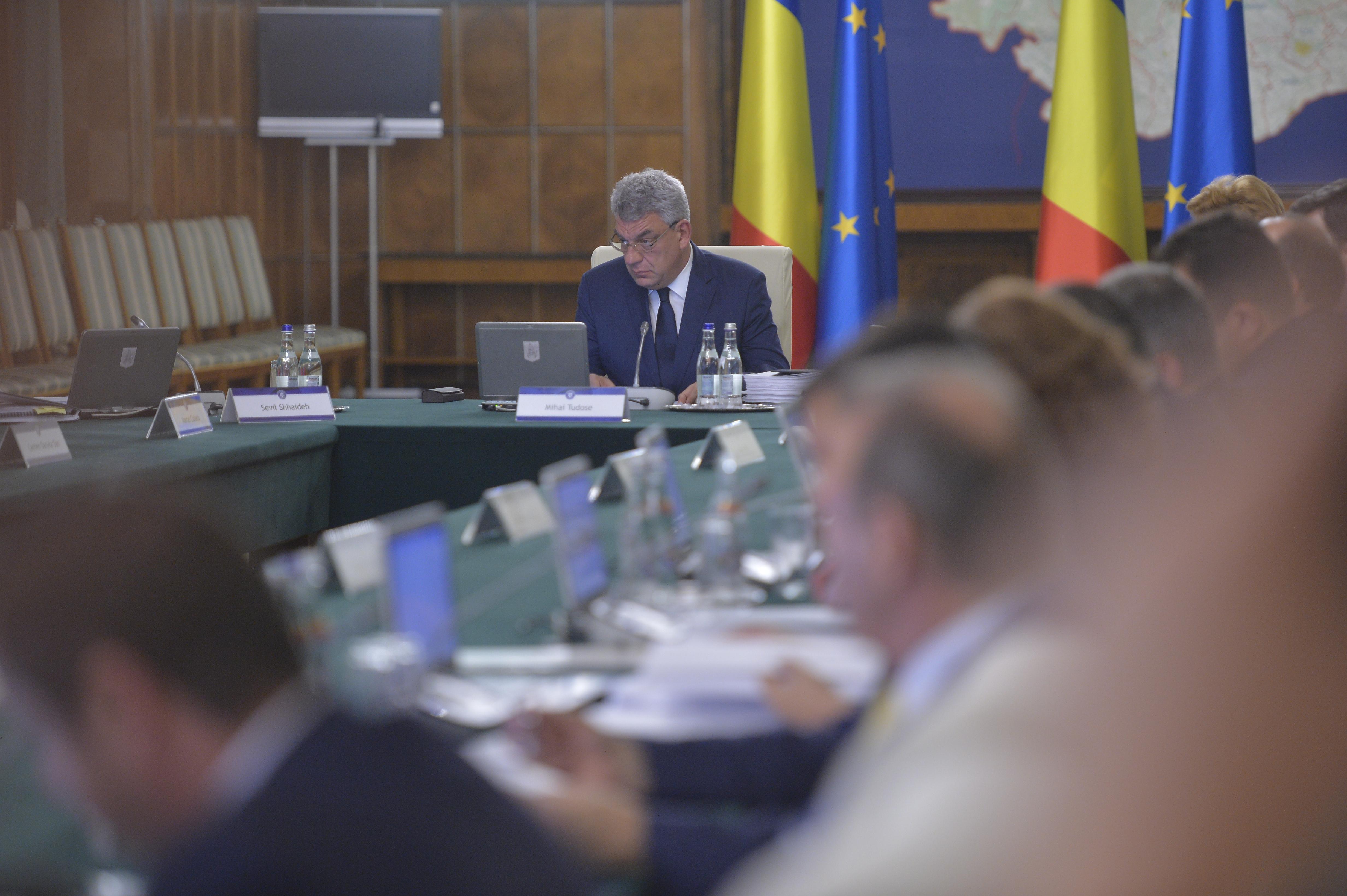 Premierul Mihai Tudose, despre achiziţia vaccinurilor antigripale: În fiecare an jucăm în acelaşi film -  începe licitaţia în ziua în care trebuie distribuţia