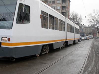 Un bărbat a fost prins sub tramvai în Capitală