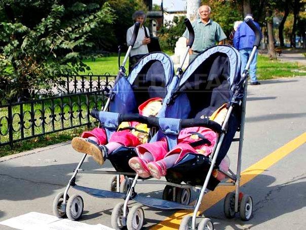 Plafonarea indemnizaţiilor pentru creşterea copilului pe lună, votată de plenul Senatului. Care este valoarea maximă admisă