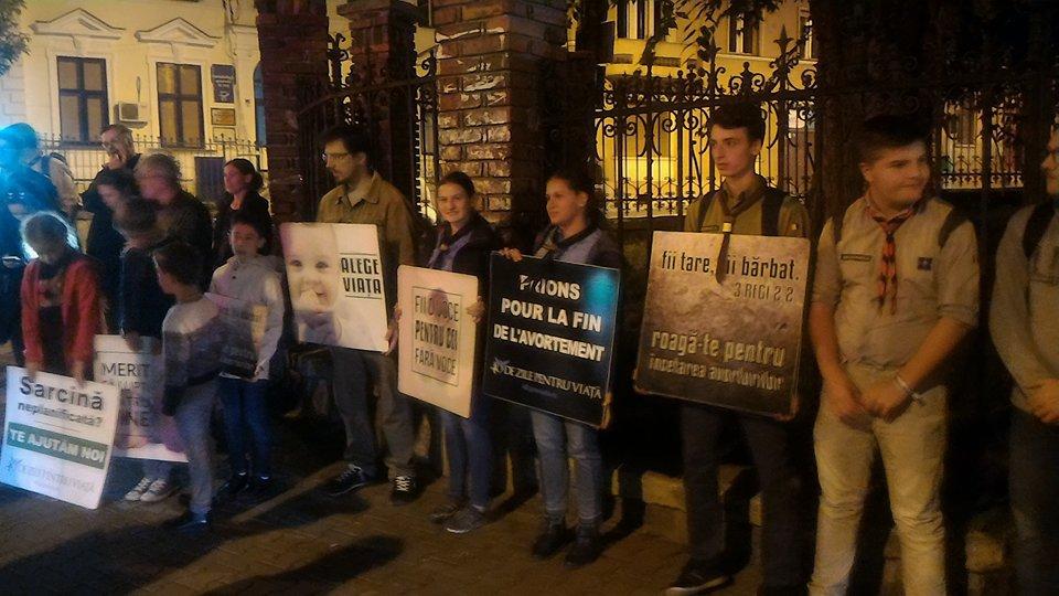 FOTO   `40 de zile pentru viaţă`: Peste 50 de persoane au cerut în stradă stoparea avorturilor
