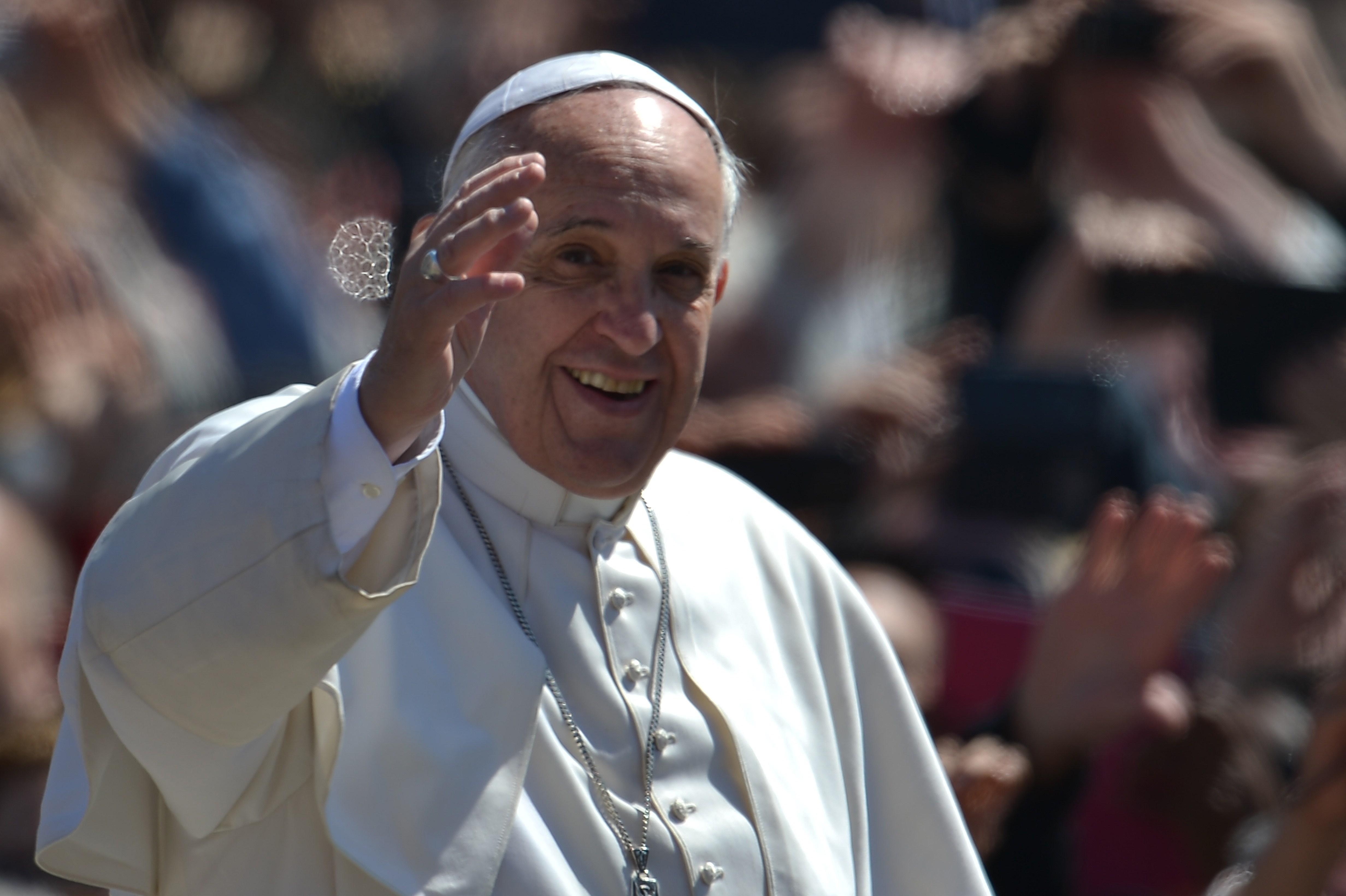 Papa Francisc a transmis un mesaj românilor