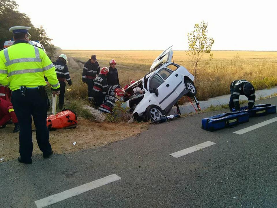 Accident GRAV în Dolj. Patru persoane au murit, după ce maşina în care se aflau a intrat într-un cap de pod