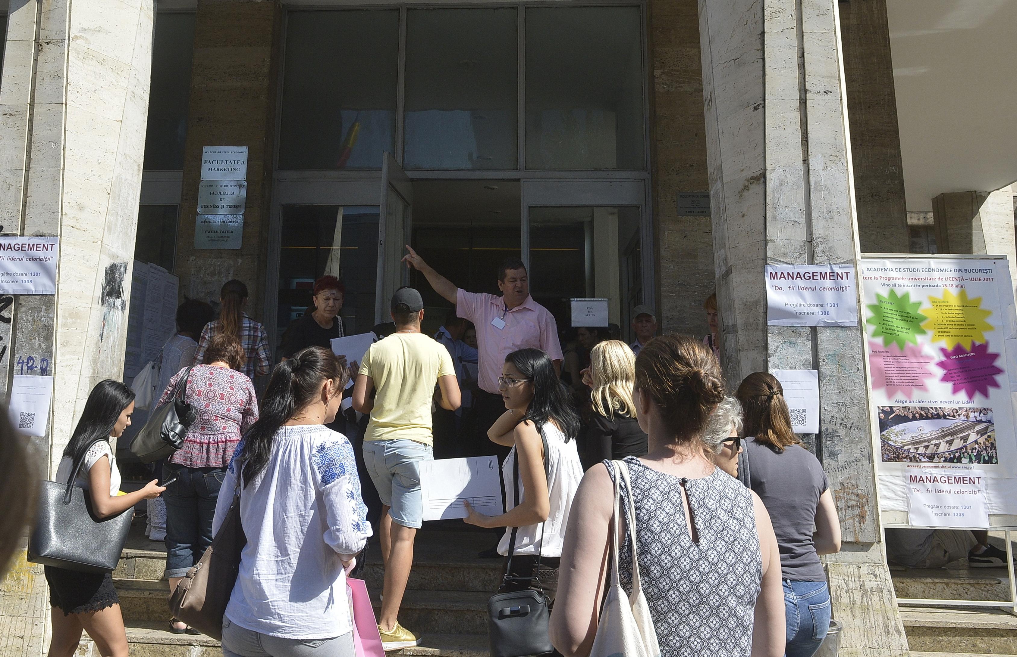 ANOSR: Abandonul universitar face în continuare ravagii în rândul studenţilor. Subfinanţarea învăţământului superior cea mai mare problemă a sistemului din Educaţie