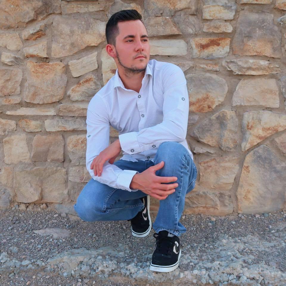 Român rănit în atacul din Las Vegas. Mama sa a făcut apel la prieteni să se roage pentru el/ Reacţia MAE