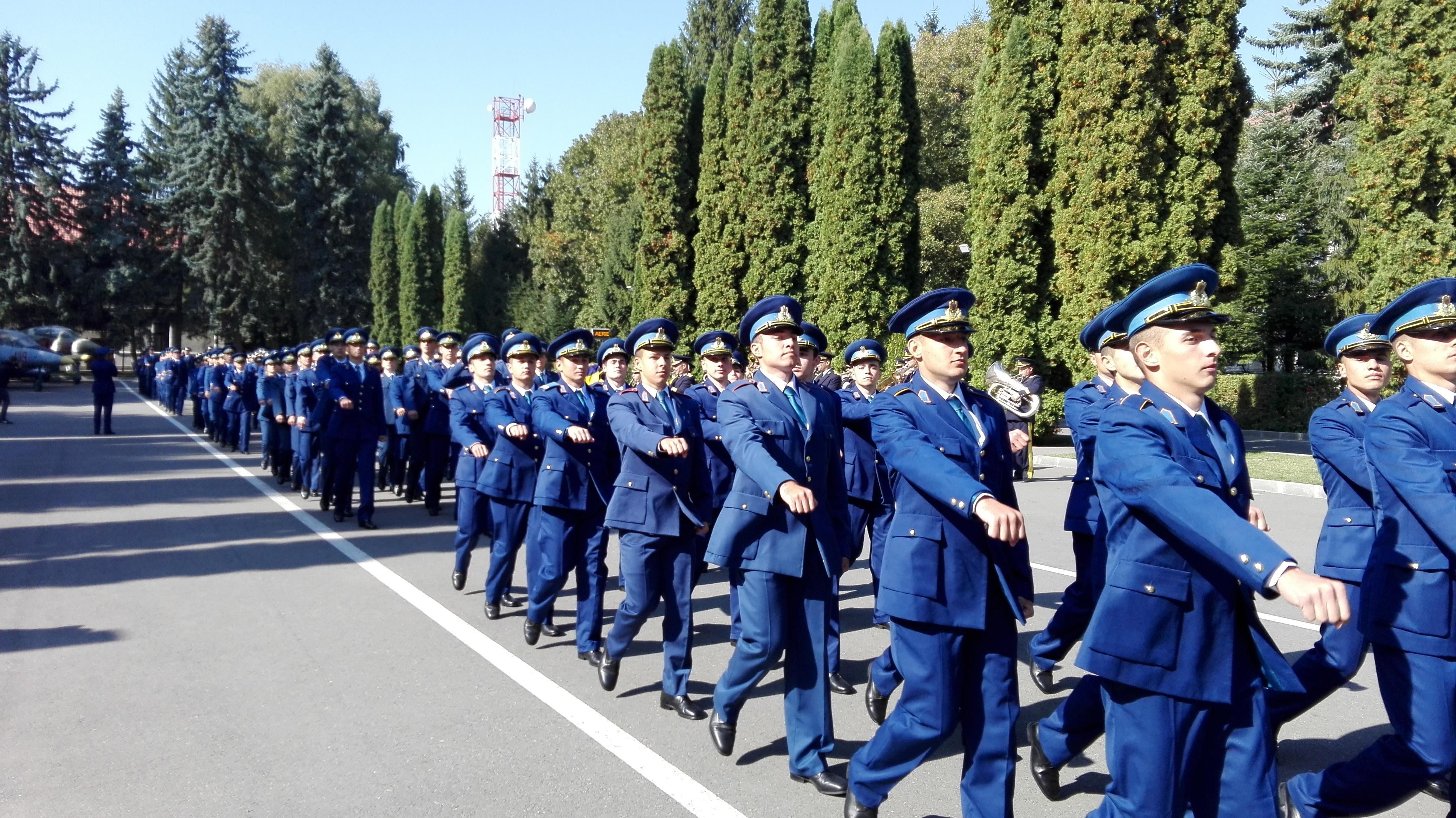 FOTO | Primul student admis la Academia Forţelor Aeriene Braşov: Mi-am dat seama ce vreau să fac în viaţă