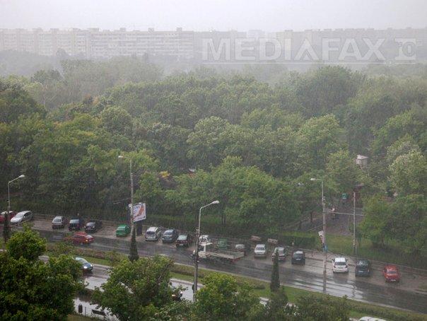 Cer cu înnorări temporare şi ploi slabe în următoarea perioadă. PROGNOZA METEO pentru miercuri şi joi