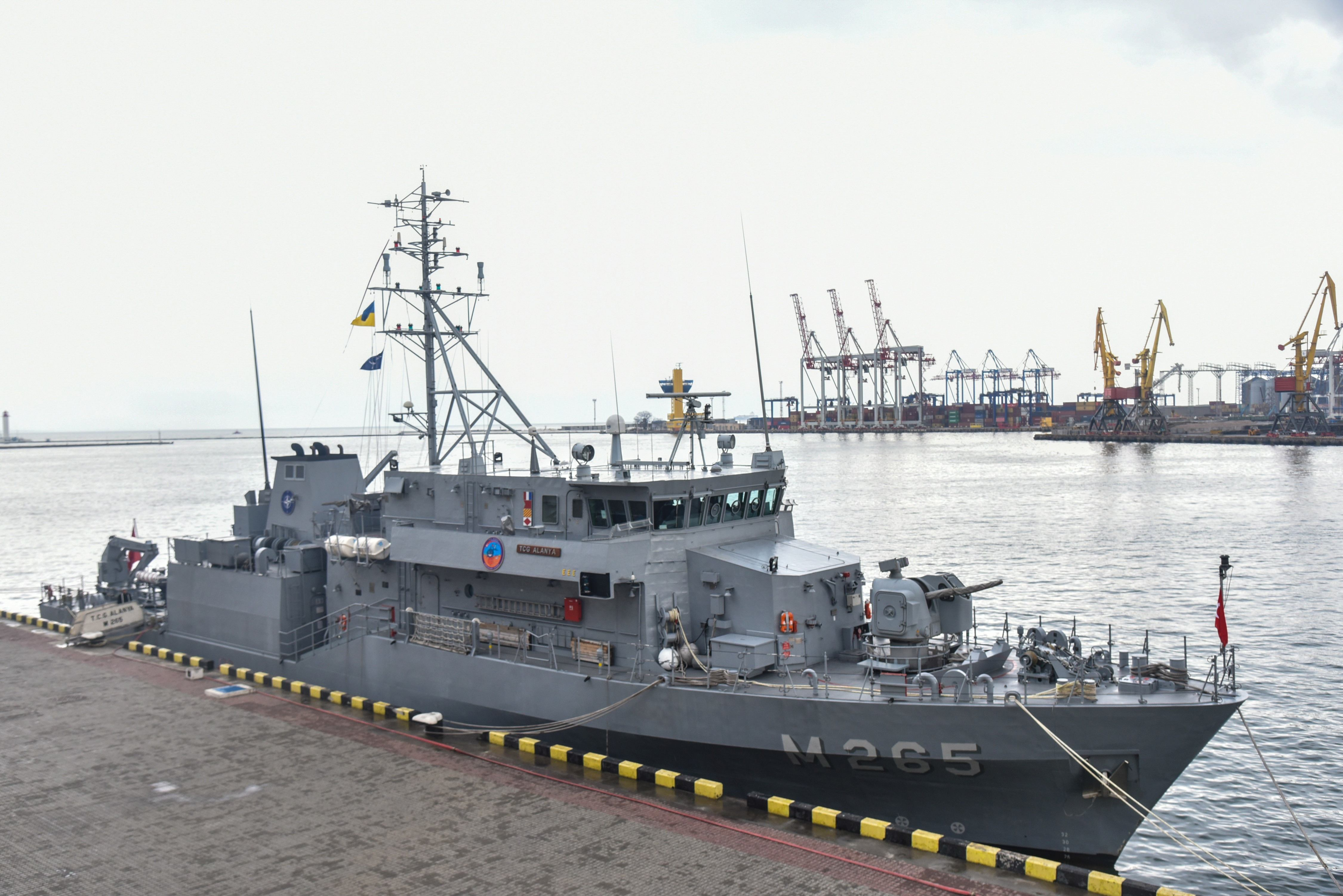 Echipajul unei nave sub pavilion Togo, reţinute în Portul Constanţa, poate părăsi vasul