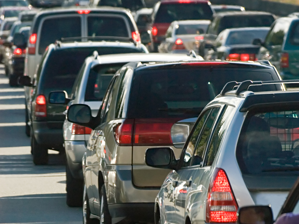 Traficul rutier în centrul staţiunii Sinaia, oprit până duminică seara