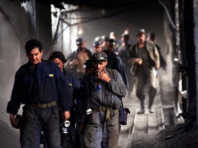 ANCHETĂ la Mina Lupeni. Reprezentanţii ITM Hunedoara, în subteran pentru a cerceta cauzele accidentului de mină/ Toma Petcu: Stâlpii de susţinere ai galeriei de la Lupeni erau subţiaţi