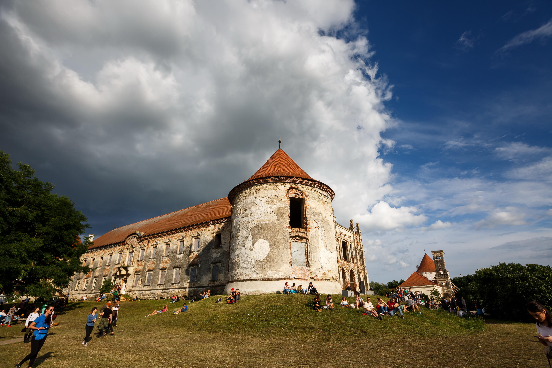 Clujul va restaura Castelul Banffy, cu fonduri europene. În ce se va transforma impunătoarea construcţie medievală