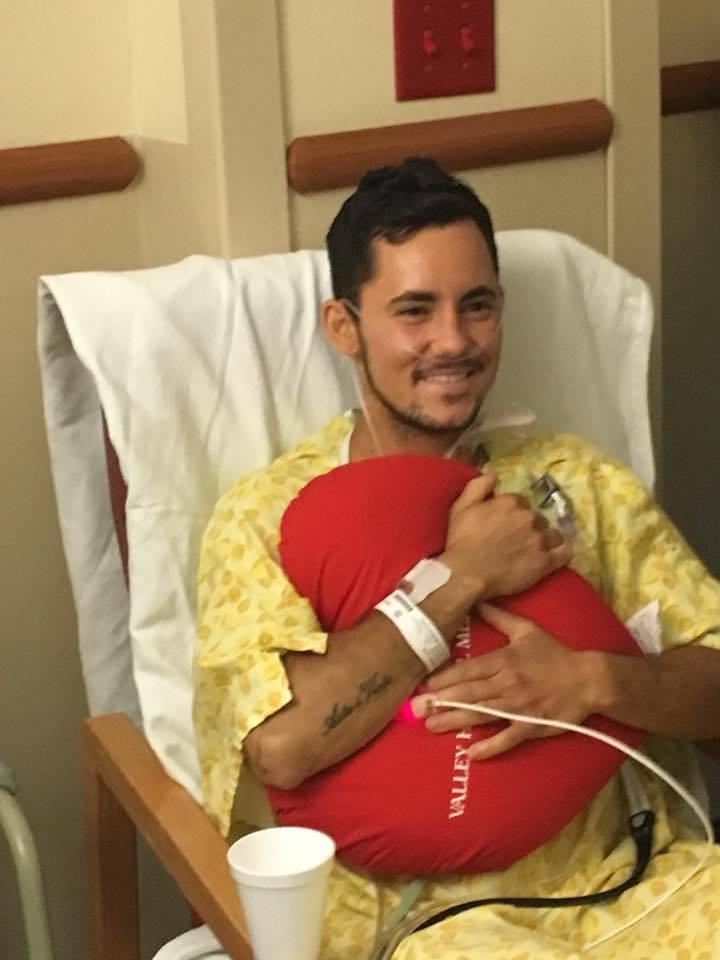 Mama românului rănit în atacul din Las Vegas a anunţat că acesta a ieşit de la Terapie Intensivă. Mesajul emoţionant postat pe Facebook