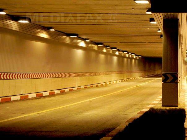 Circulaţia rutieră în Pasajul Unirii, restricţionată pe o bandă din cauza unor lucrări Apa Nova