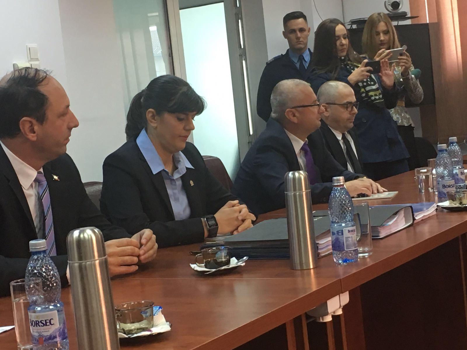 Kovesi a prezentat în CSM un BILEŢEL aparţinând Inspecţiei Judiciare cu numere de dosare făcute de DNA: A fost pus în nişte documente pe care probabil l-au rătăcit/ Reacţia ministrului Justiţiei, Tudorel Toader