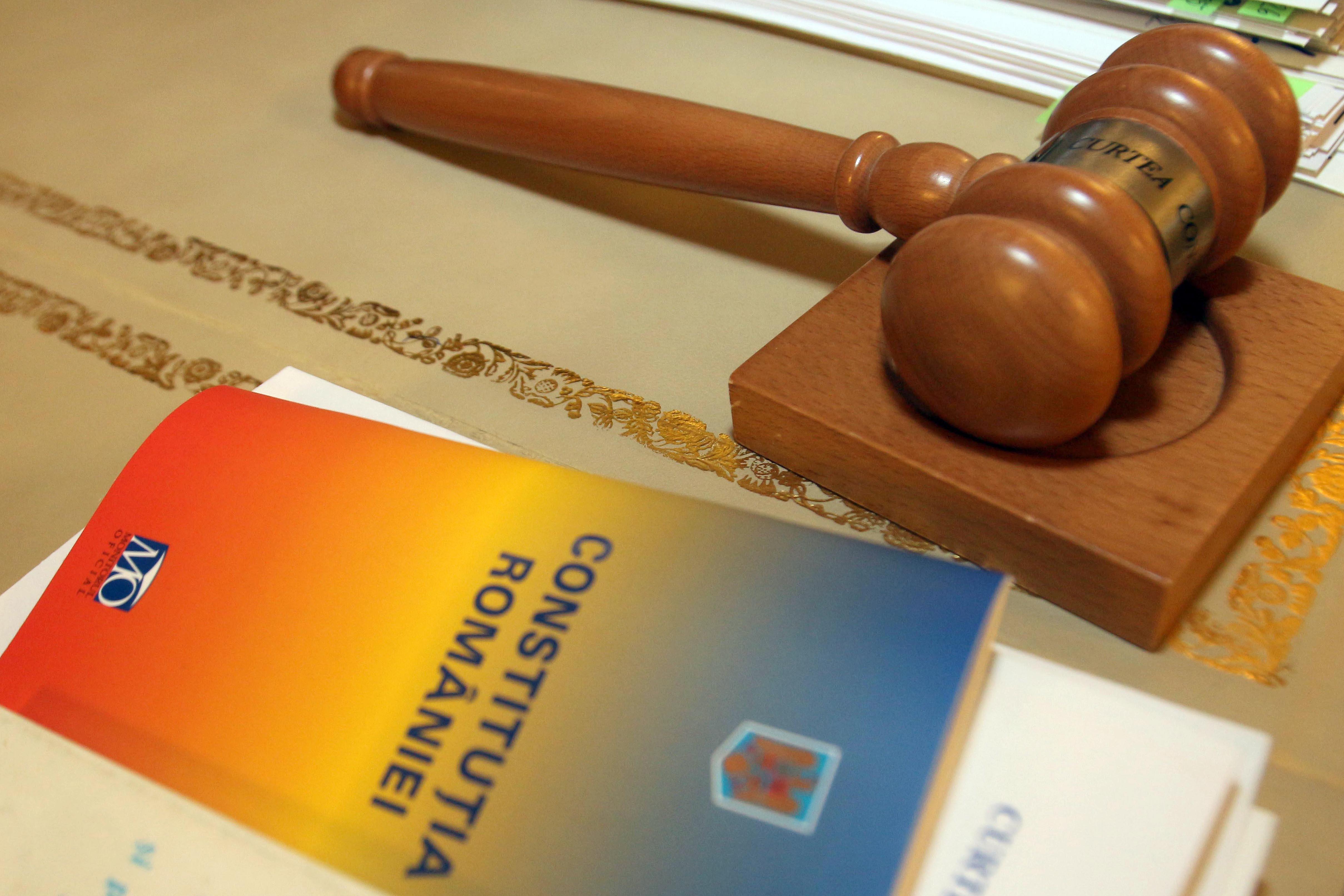 CCR: Imposibilitatea recursului în casaţie a sentinţelor cu admiterea învinuirii, neconstituţională