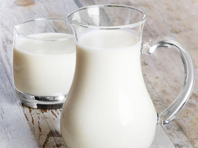 Anchetă epidemiologică la Iaşi, după ce şase copii au ajuns la spital din cauza laptelui primit la şcoală