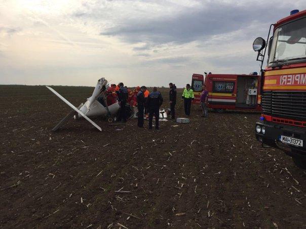 Imaginea articolului INCIDENT AVIATIC   Un avion de mici dimensiuni a aterizat forţat în Alba. Starea pilotului, gravă   FOTO