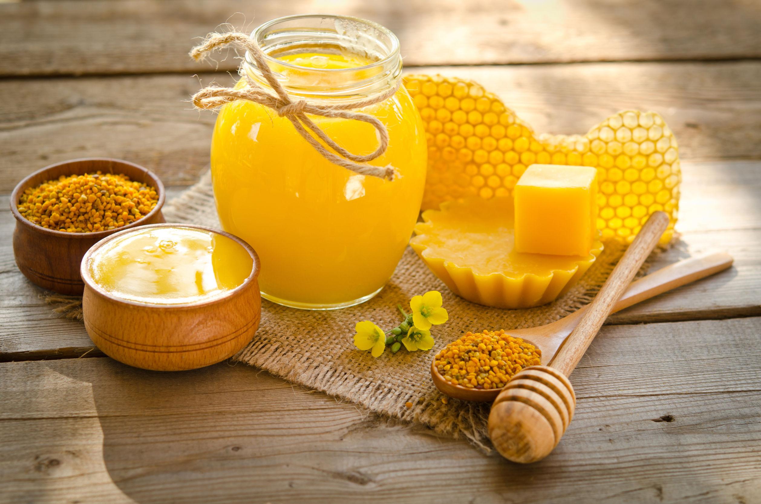 Legea prin care copiii vor primi miere la şcoală, semnată de trei sferturi dintre parlamentarii PSD