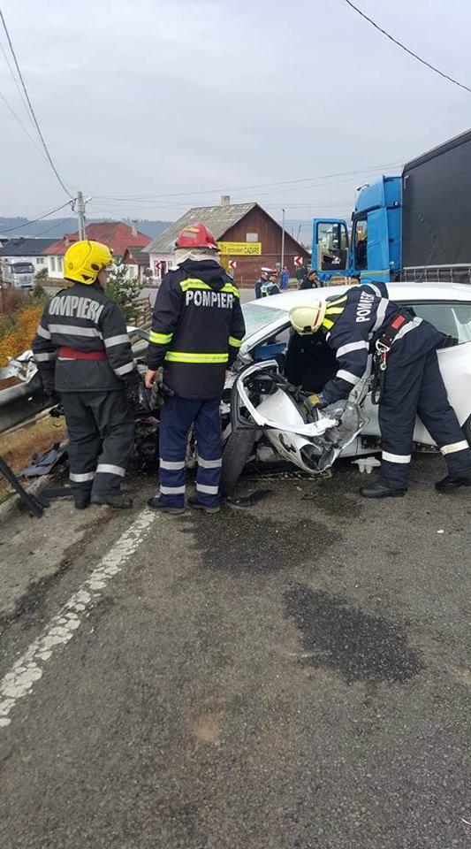 Traficul între Moldova şi Transilvania este blocat pe DN 17, la Dealu Floreni, după un accident - FOTO