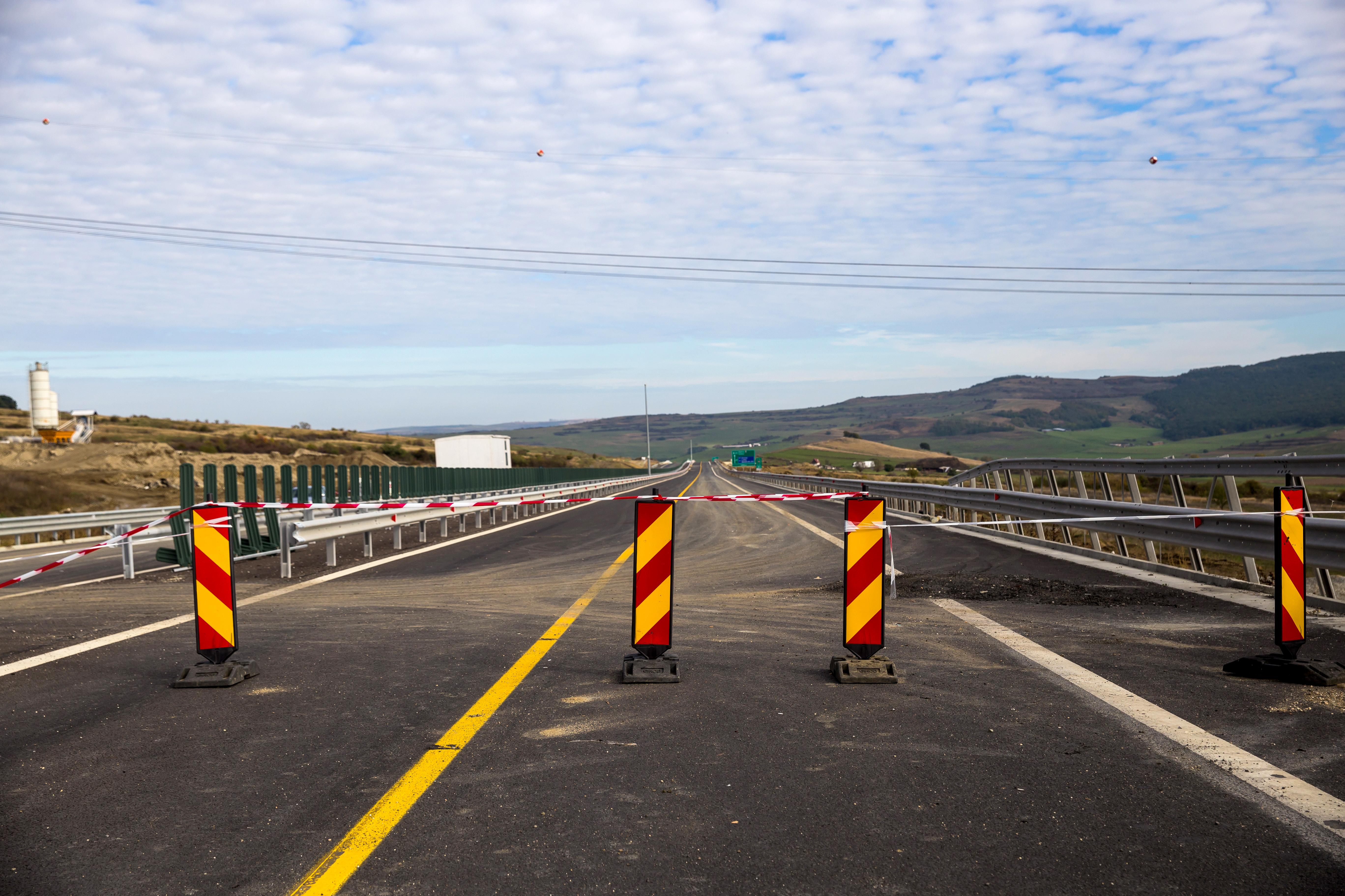 Probleme GRAVE pe Autostrada 1: Drum cu fisuri, crăpături şi denivelări pe o lungime de 70 de m