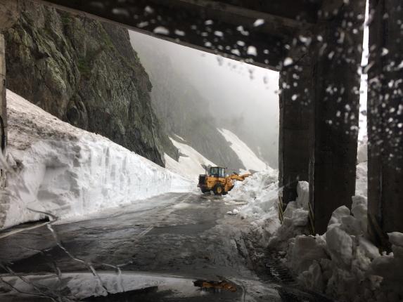 Ministerul Transporturilor anunţă controale la secţiile de Drumuri Naţionale pentru a verifica utilajele pentru deszăpezire