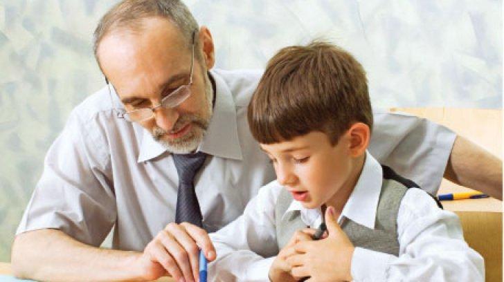 Profesorii ar putea să se pensioneze cu trei ani mai devreme