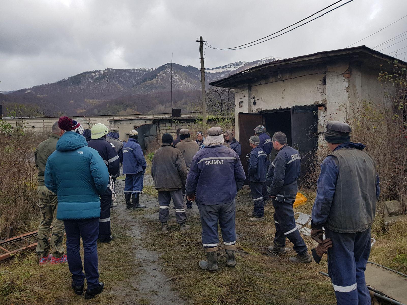 Explozia de la mina Uricani | Minerii răniţi sunt stabili, unul dintre ei urmând a fi operat marţi