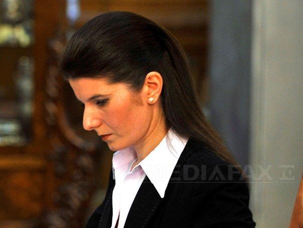Motivare: Monica Iacob Ridzi poate fi eliberată pentru că a absolvit în detenţie un curs cu media 10